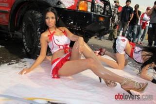 Putri Anggraeni di Car Wash GT Radial IIMS