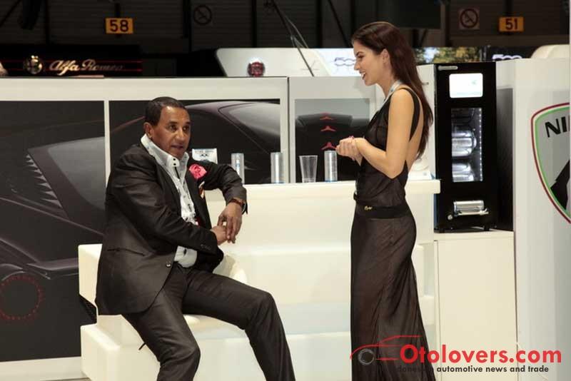 Gadis-gadis seksi di Geneva Motor Show