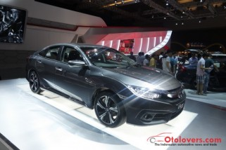 Honda Civic dengan mesin 1500cc Turbo Charged di IIMS 2016