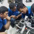 Tata Motors latih mekanik bengkel umum di jalur angkot Tata