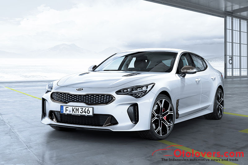 Mobil sport Kia Stinger GT 2018 beredar akhir tahun ini