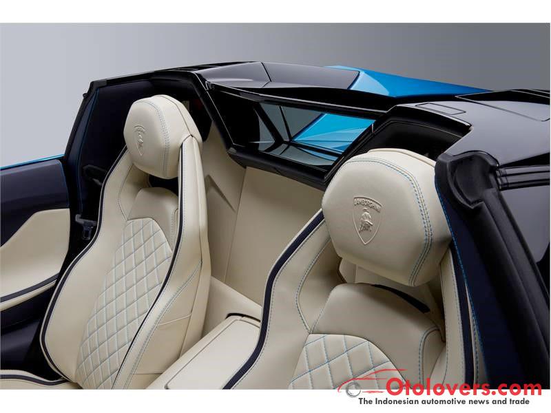 Lamborghini Aventador baru lebih gaya dengan atap terbuka