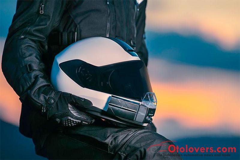 Mau navigasi GPS di helm Anda? NUVIZ HUD sudah hadir di Indonesia