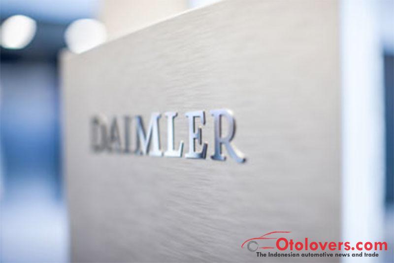 Daimler tak akan taati perintah otoritas transportasi Jerman
