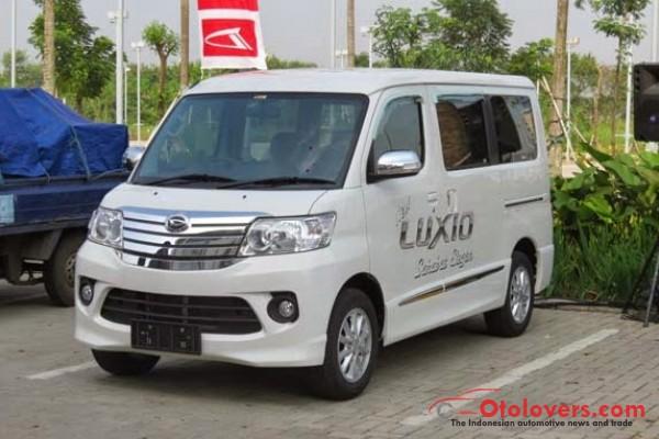 Daihatsu Luxio 2015 Baru Cash Kredit