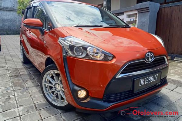 Sienta V Manual pmk 2019 asli Bali Low KM